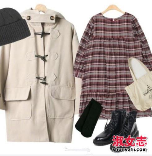 资讯生活冬季女生牛角扣大衣搭配学院风